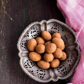 Migdały w białej czekoladzie z cynamonem